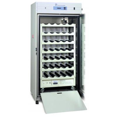 Thermo Scientific&trade;&nbsp;Large-Capacity Reach-In CO<sub>2</sub> Incubator, 821 L, Polished Stainless Steel 200/230 V Thermo Scientific&trade;&nbsp;Large-Capacity Reach-In CO<sub>2</sub> Incubator, 821 L, Polished Stainless Steel