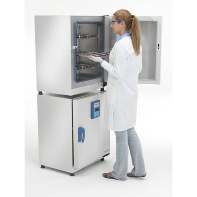 Thermo Scientific™ Heratherm™ Advanced Protocol Microbiological Incubators  Thermo Scientific™ Heratherm™ Advanced Protocol Microbiological Incubators